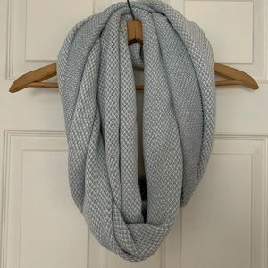 Spyder, grey and white knitted infinity scarf